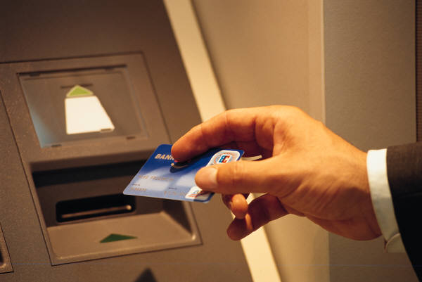Russia, Hackers Stole $4 Million in cash with Reverse ATM Hack method