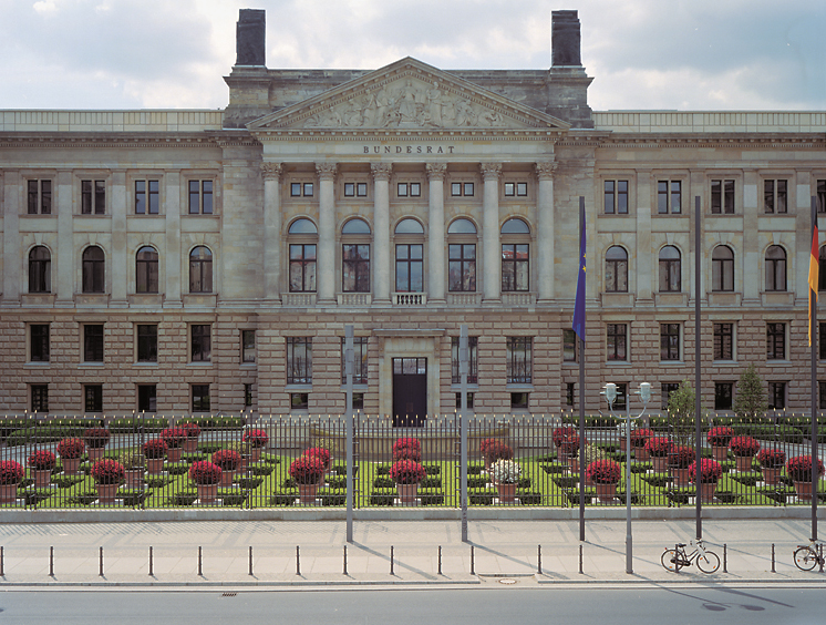 Unknown Hackers hit systems at Bundestag