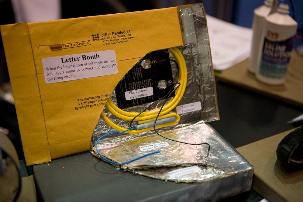 FBI hacked a US Darknet shopper who tried to purchase Mail Bomb